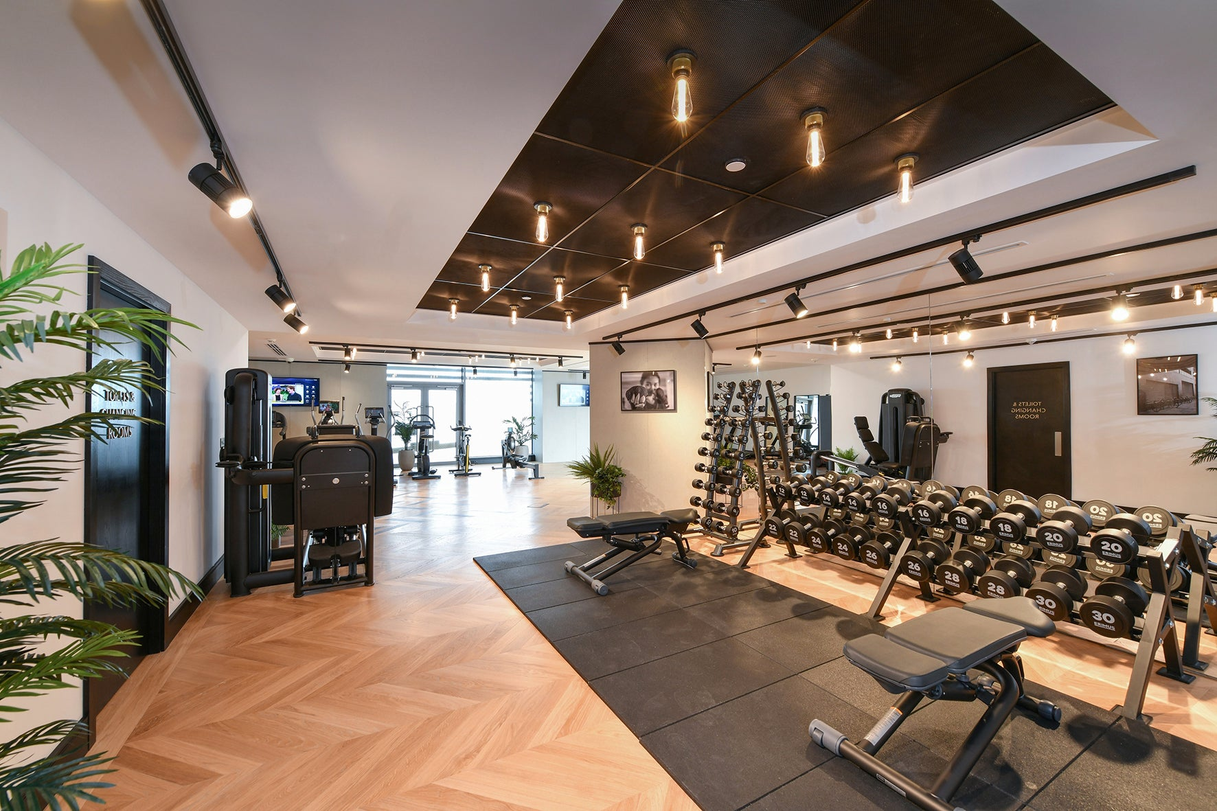 The gym, luxury apartment 250 City Road, London Valencia Tower