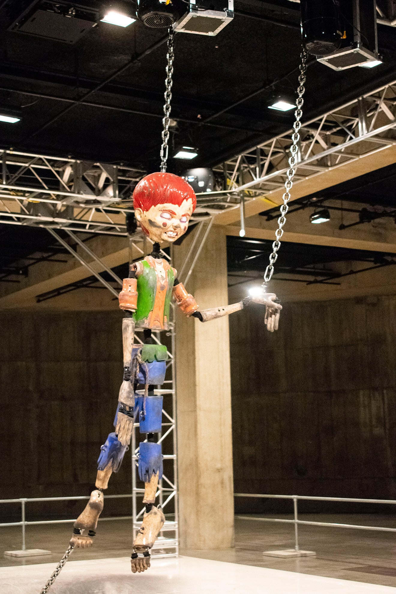 Jordan Wolfson Colored Sculpture puppet at the Tate Modern
