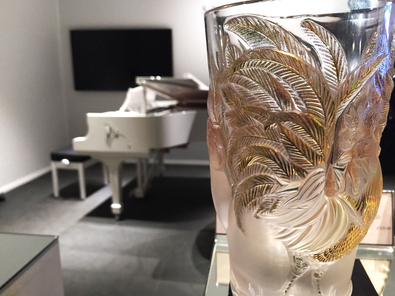 Luxury crustal accessories and vases from Lalique at Masterpiece London