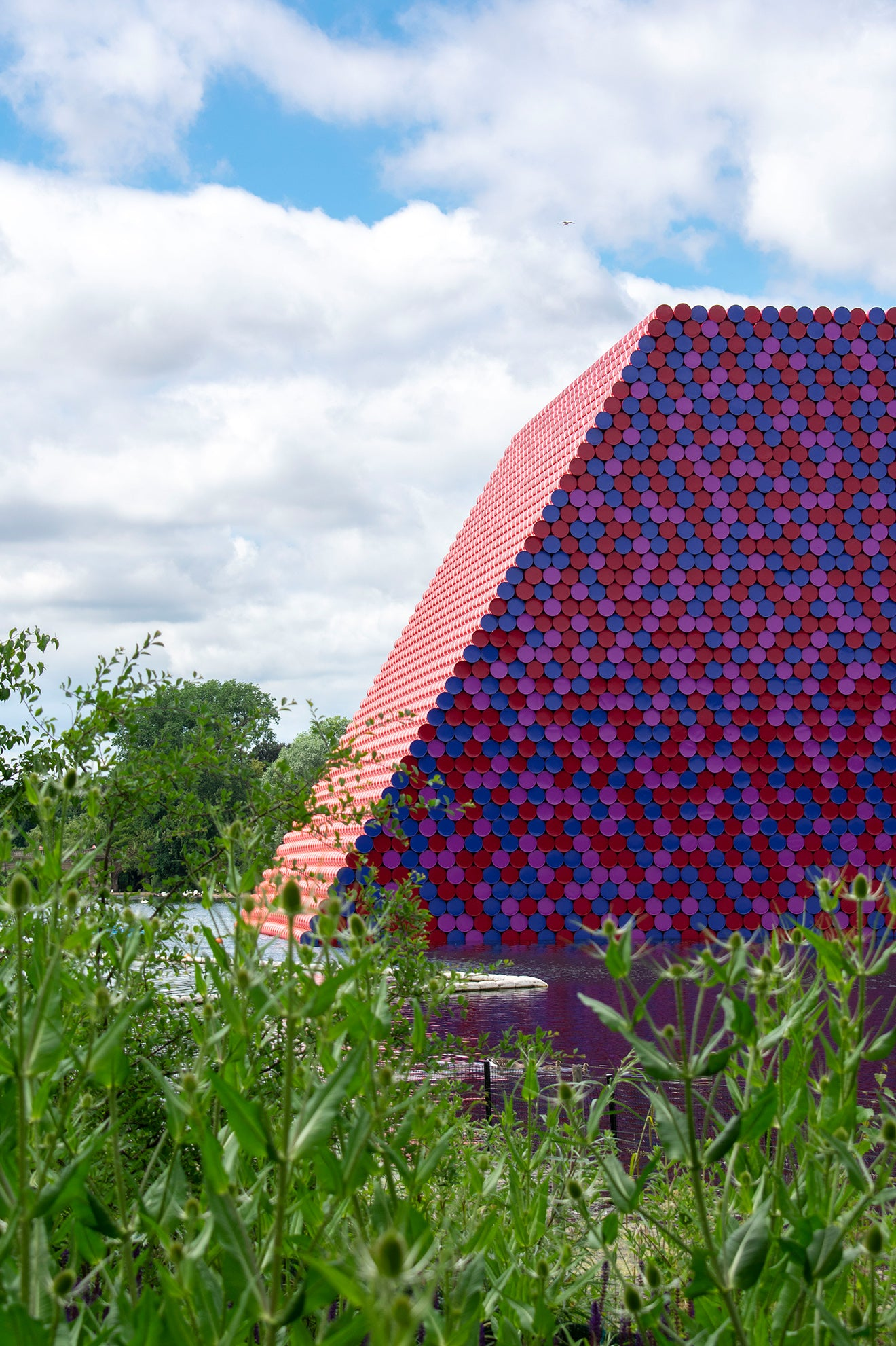 The London Mastaba by Christo floating on the Serpentine