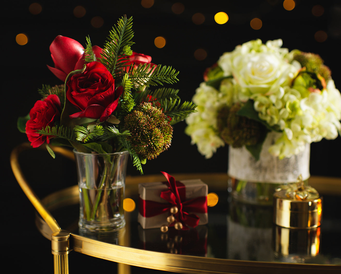 Luxury Christmas wreaths and floral arrangements from Luxdeco