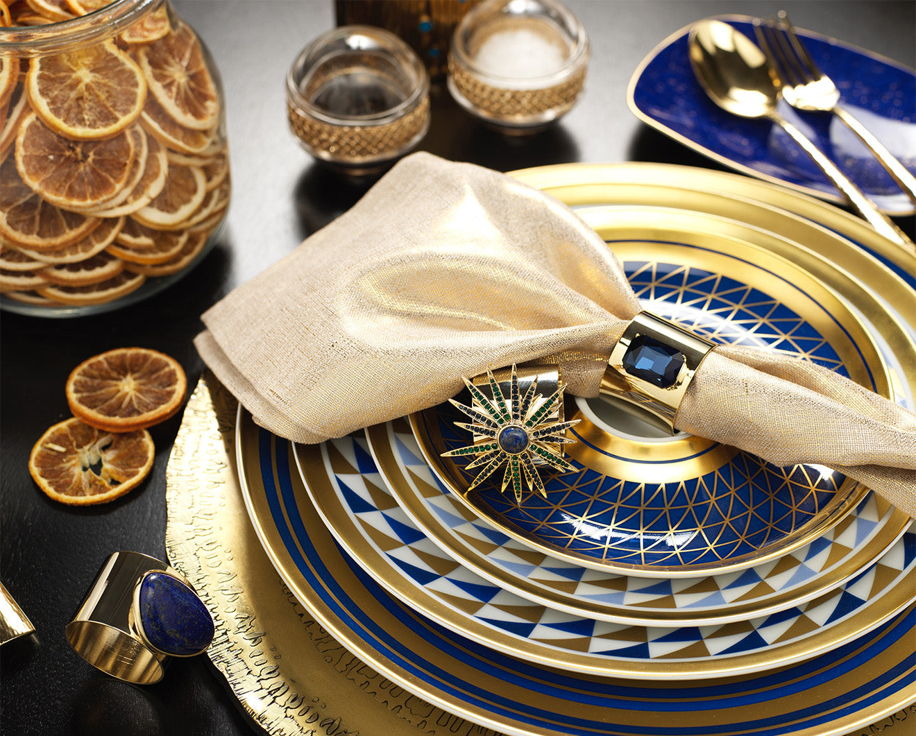 Luxury Christmas Table Setting Crockery from Luxdeco