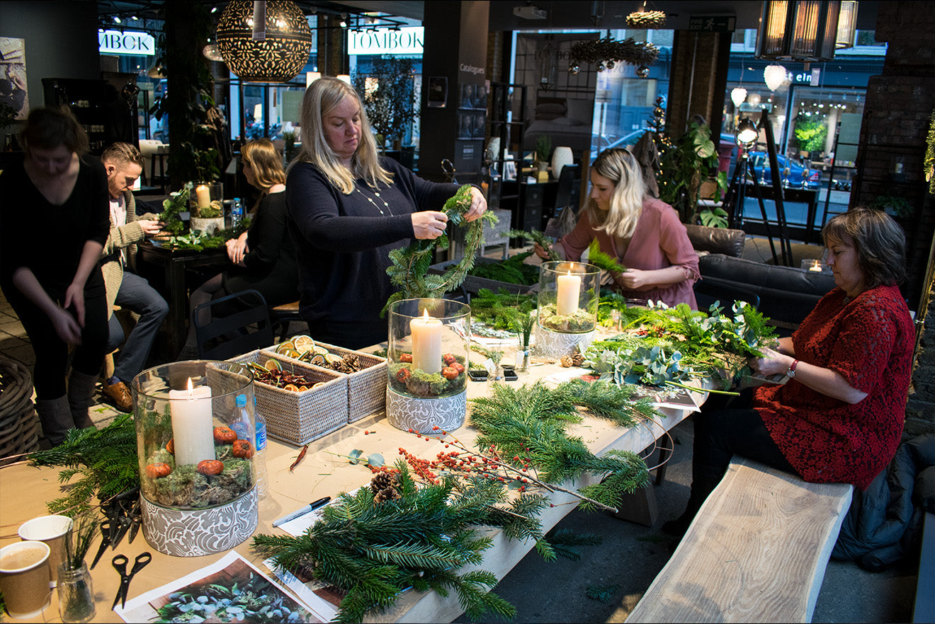 Wreath making in London Lombok store
