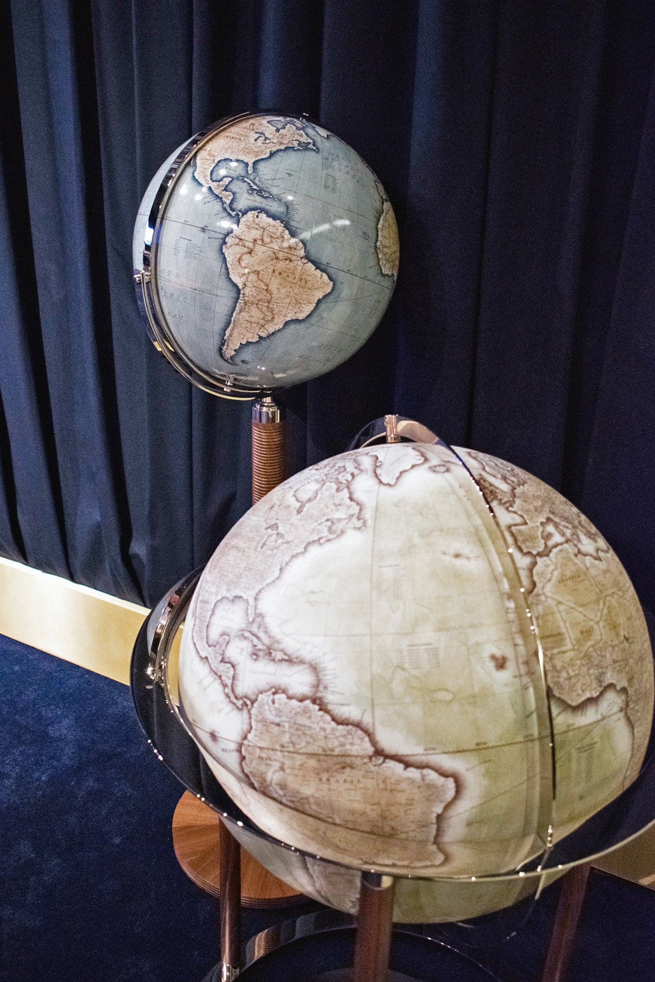 LINLEY antique style globes
