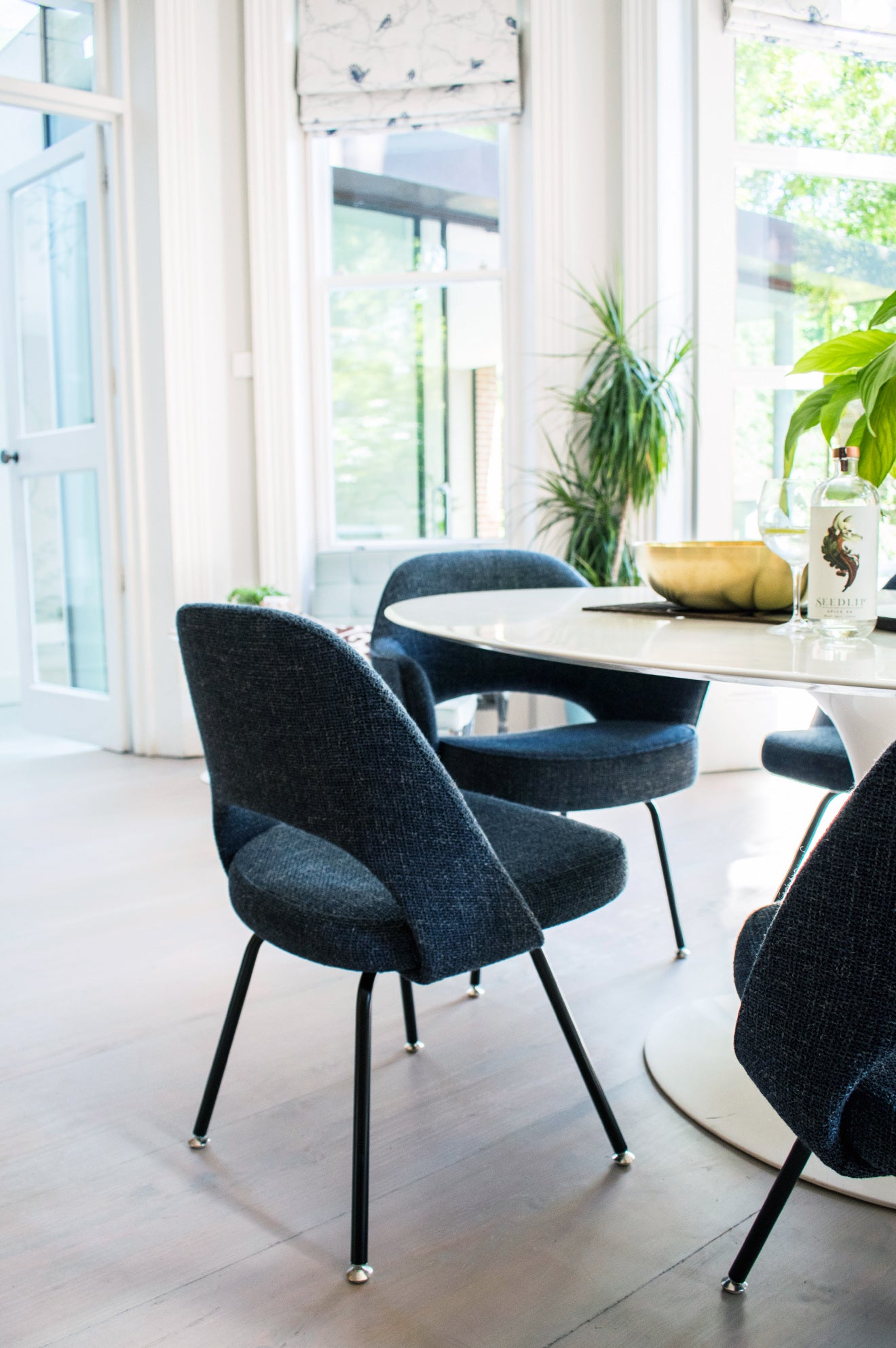 NW3 Interiors Showroom Knoll furniture