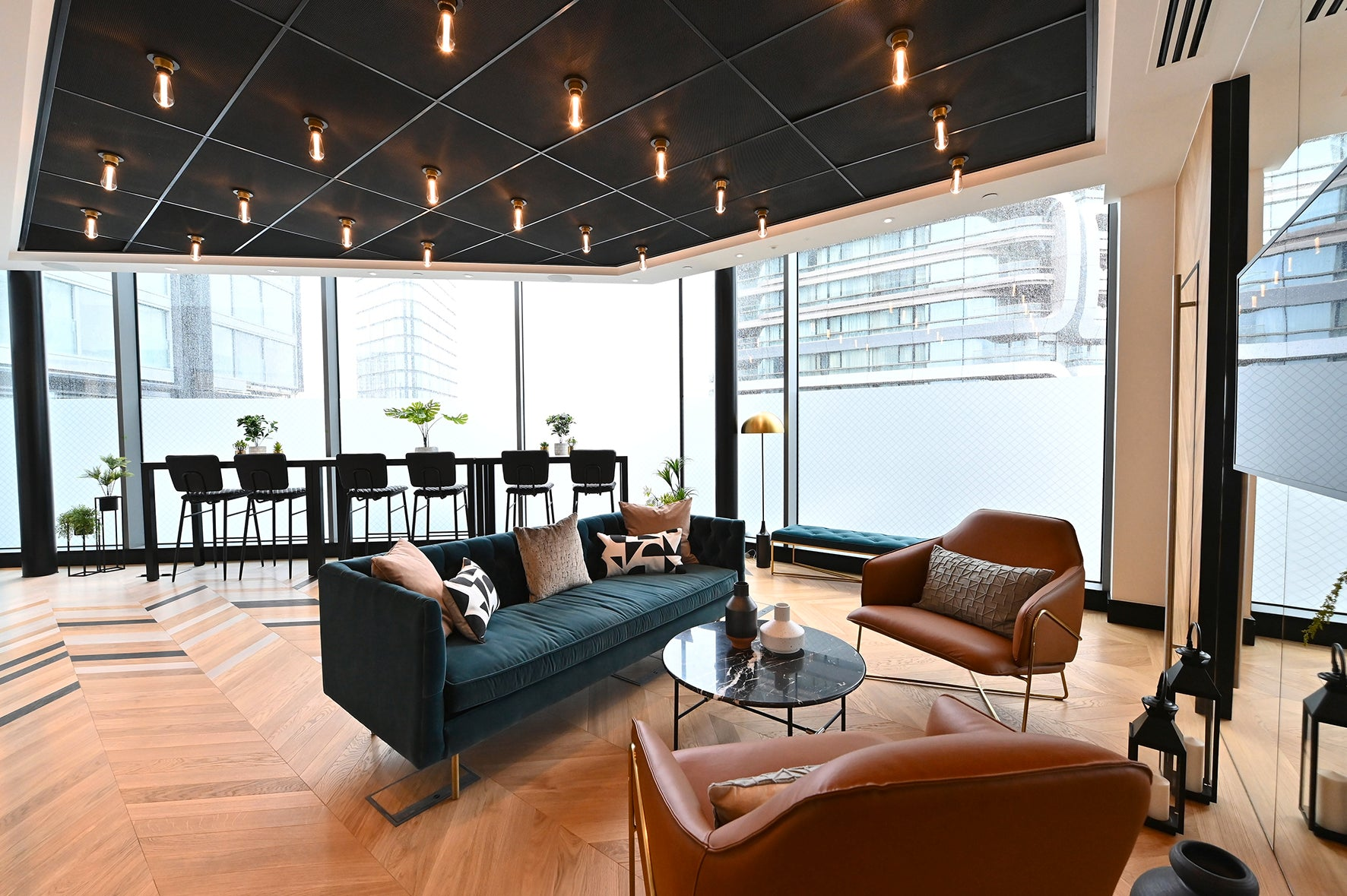The resident's lounge, luxury apartment 250 City Road, London Valencia Tower