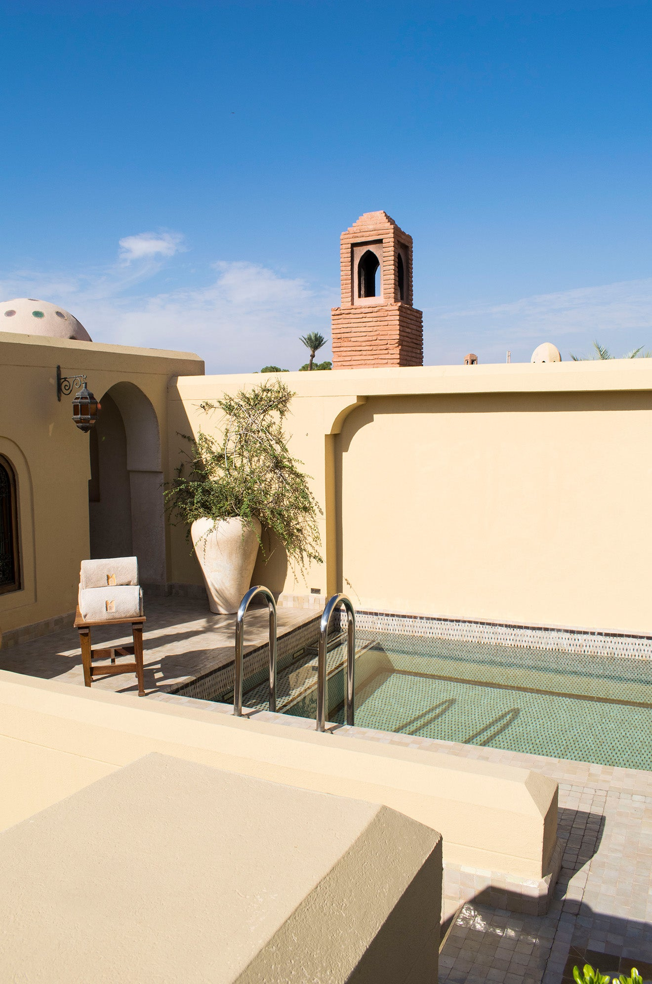 Roof terrace with pool at the Riad Royal Mansour