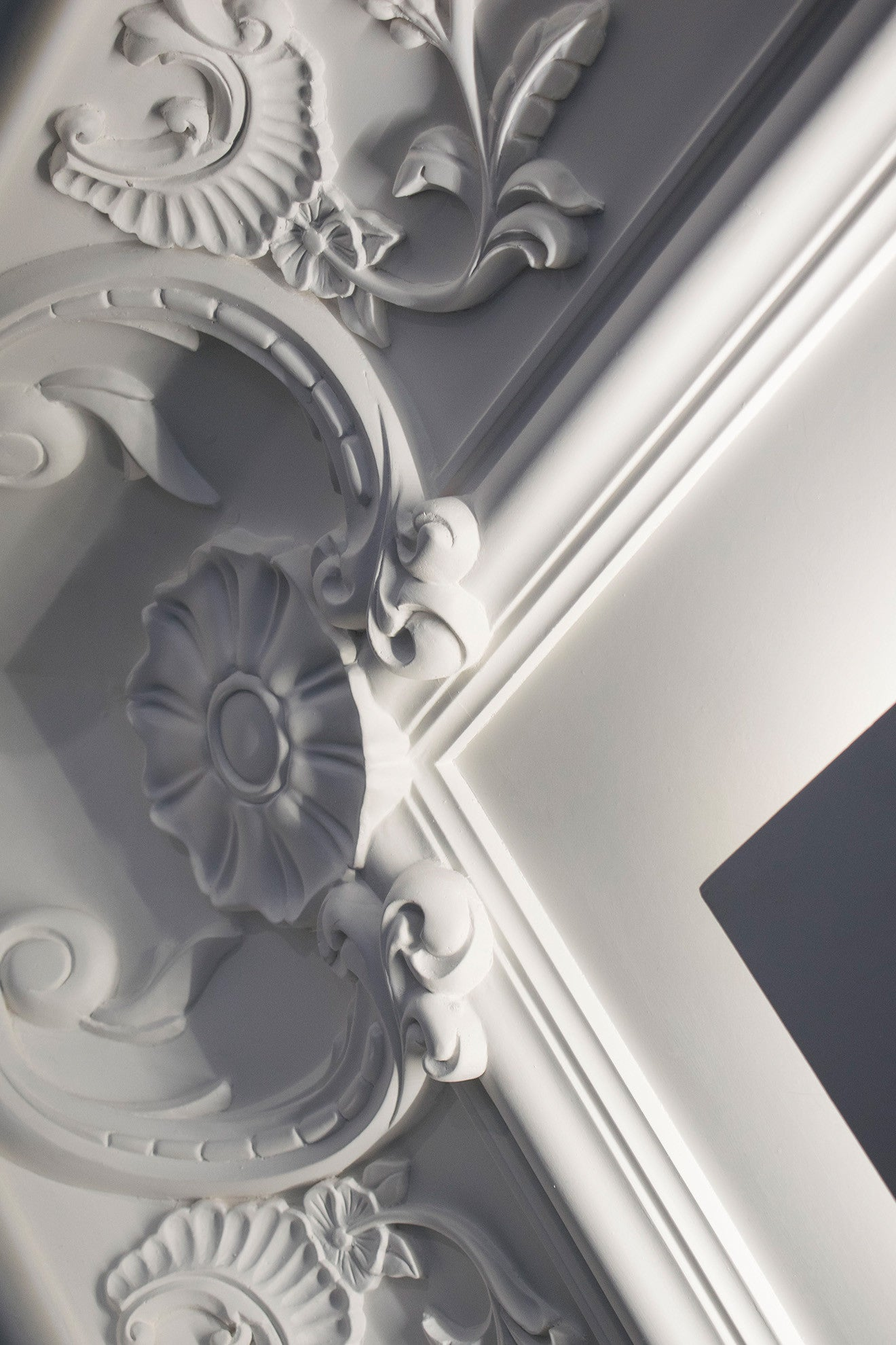 Staff decor traditional wall and ceiling mouldings