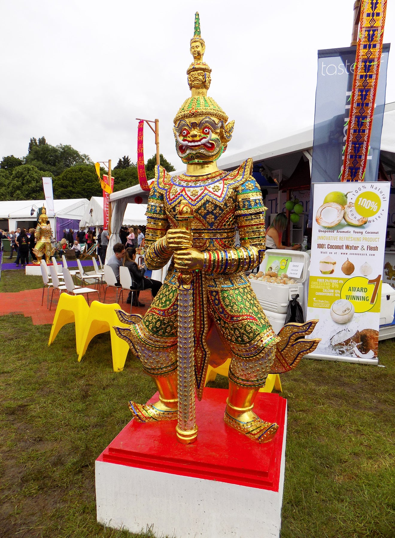 Taste of Thailand London golden statue
