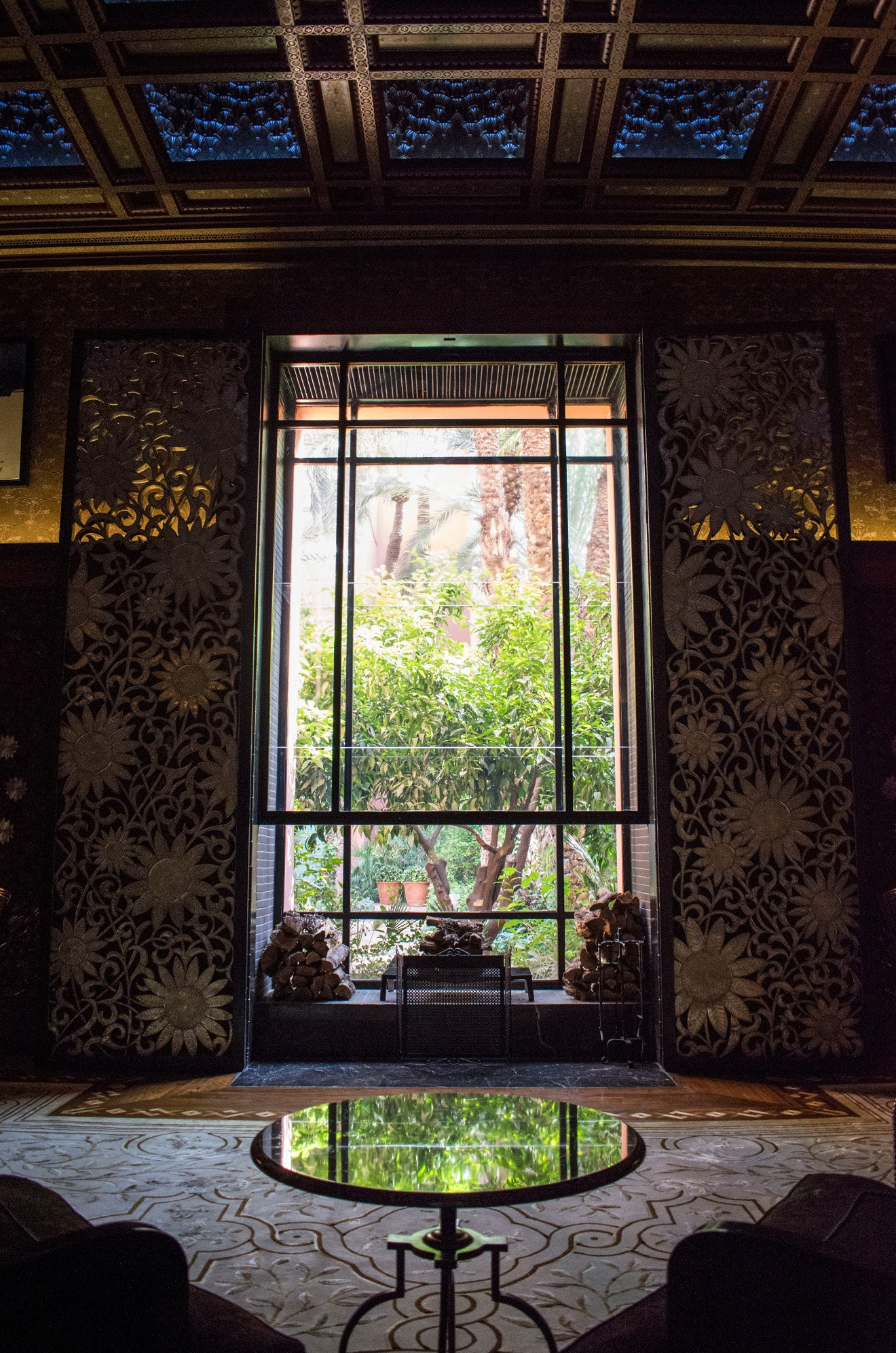Moroccan interior decoration with a view across the garden