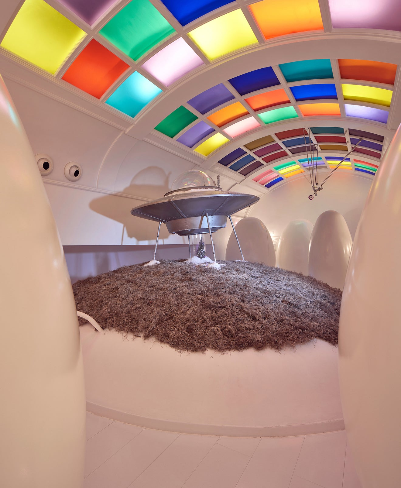 sketch  London luxury Christmas UFO art installation in the pod toilets