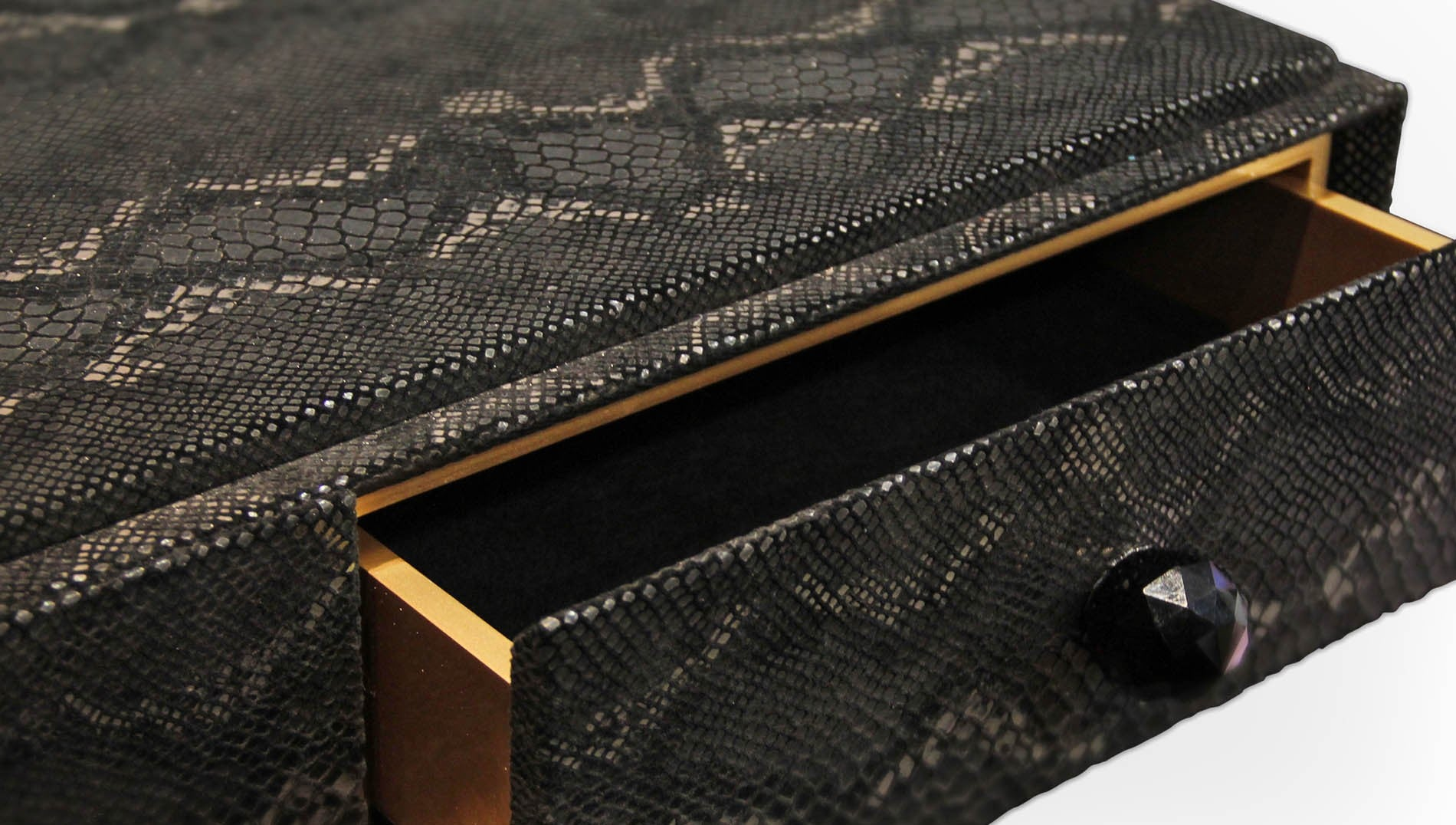 Burlesque Console Boca Do Lobo for 50 Shades of Grey