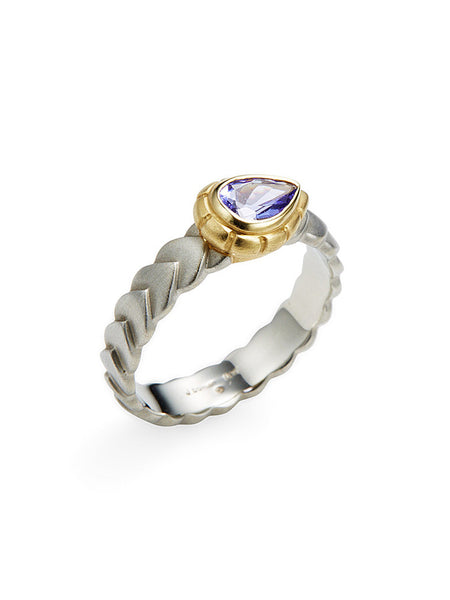 Tanzanite Pear Shape & 18K Ring