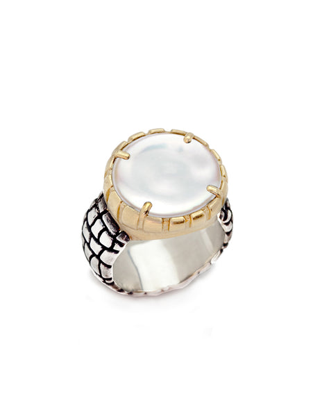 Lustrous Coin Pearl Statement Ring
