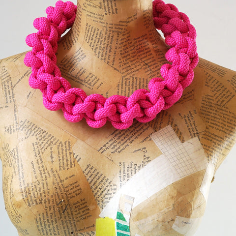 The Betty Knotted Collar - Pink