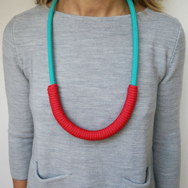 THE BILLIE ROPE NECKLACE - LONG (AQUA)