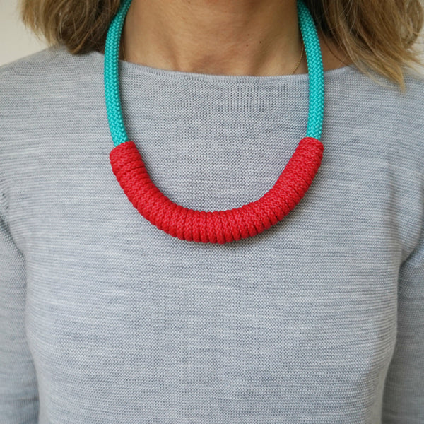THE BILLIE ROPE NECKLACE - SHORT (AQUA)
