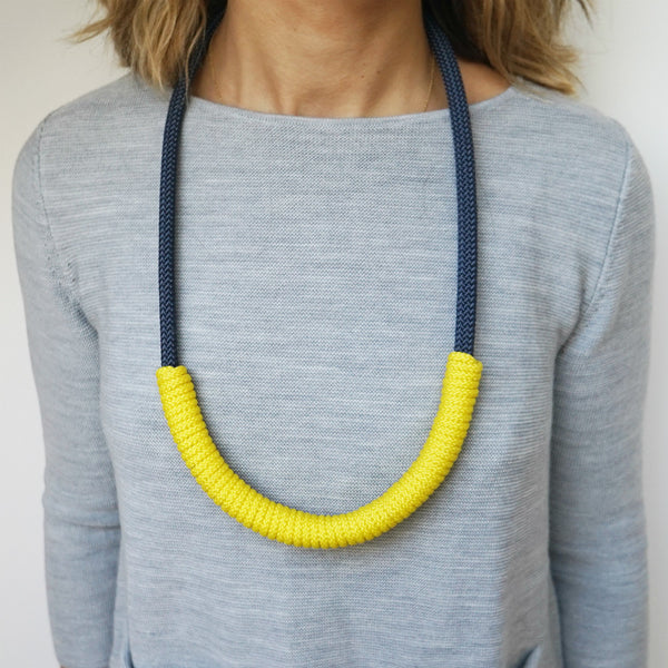 THE BILLIE ROPE NECKLACE - LONG (NAVY)