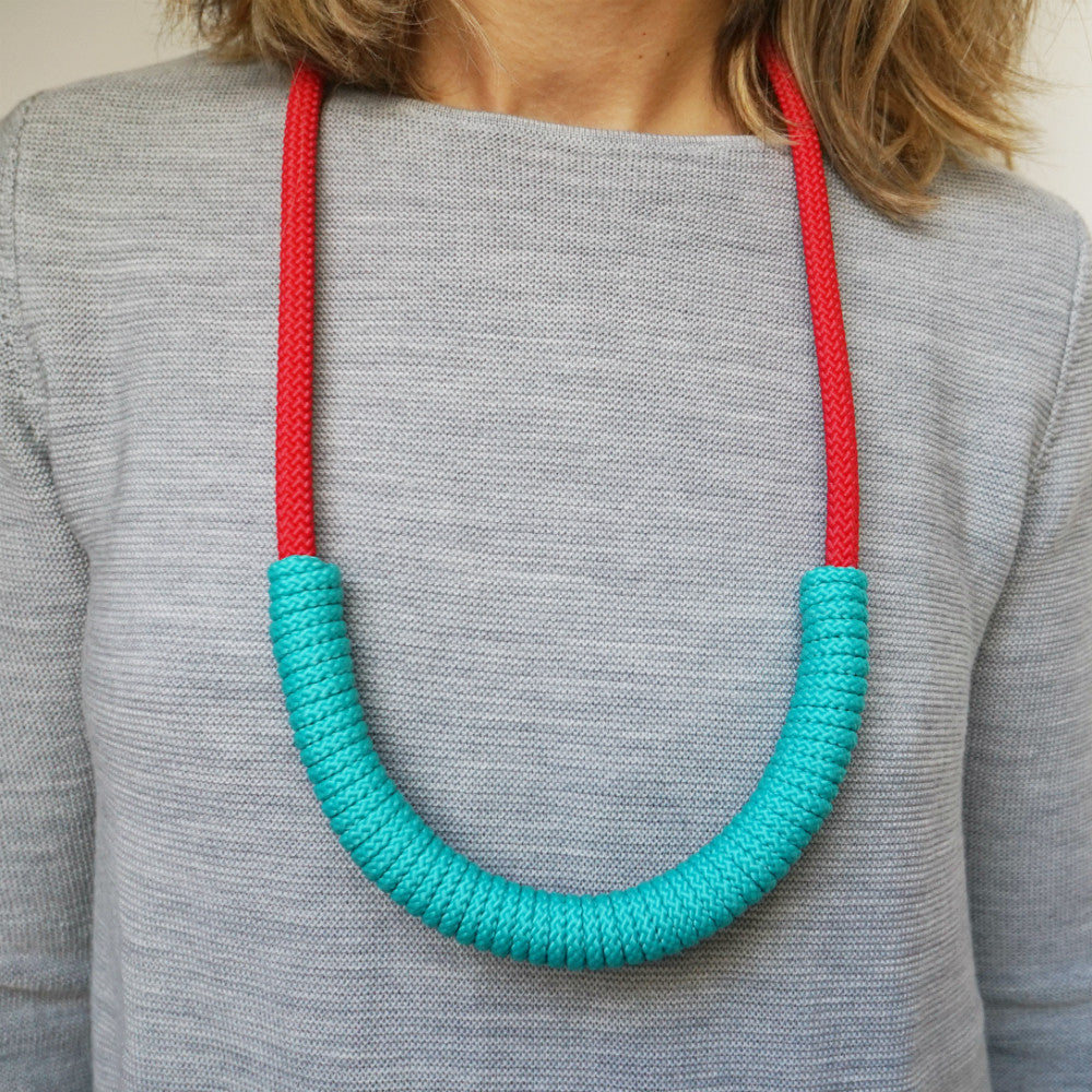The Billie rope necklace (long) - red