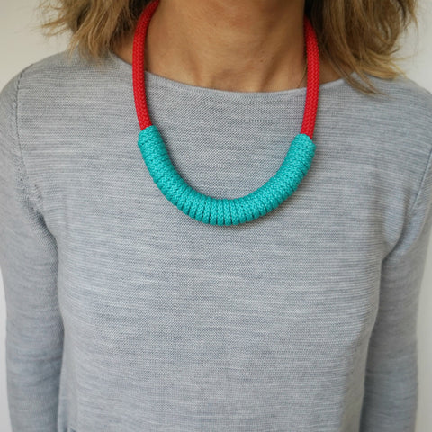 THE BILLIE ROPE NECKLACE - SHORT (RED)