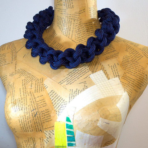 The Betty knotted collar - Navy