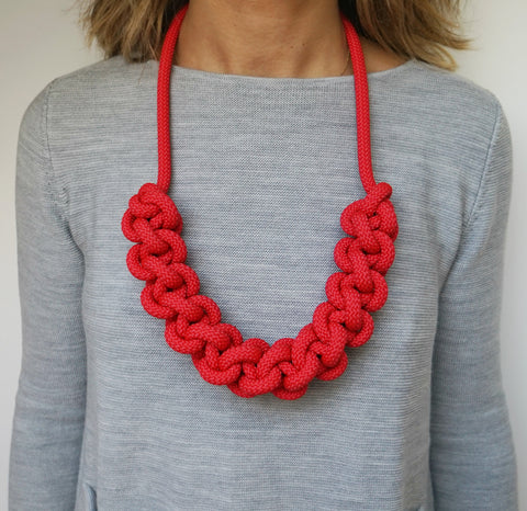 THE BETTE STATEMENT NECKLACE (RED)