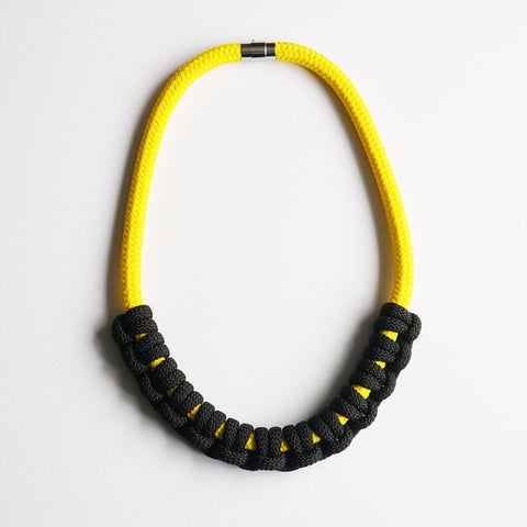 Iris necklace - Yellow and Black