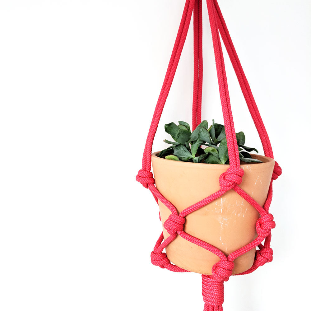 The Dolly Knot Pot Hanger - Red