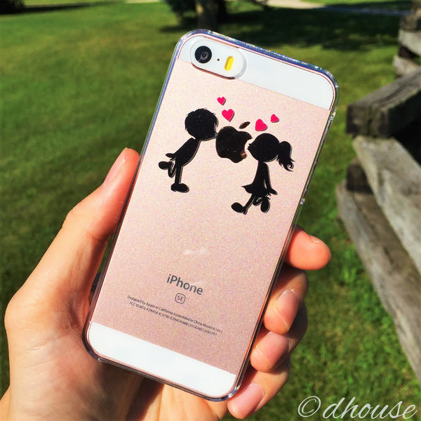 MADE IN JAPAN Hard Shell Clear Case - Little Couple Love Kiss for iPhone SE/5/5s - Dhouse USA - 3