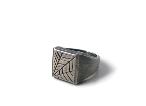 Engraved Signet Ring, Web