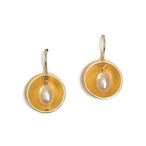 Concave Earrings with Pearl