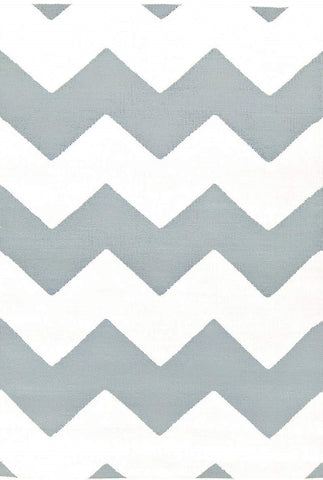 light blue chevron indoor/outdoor rug (2' x 3')
