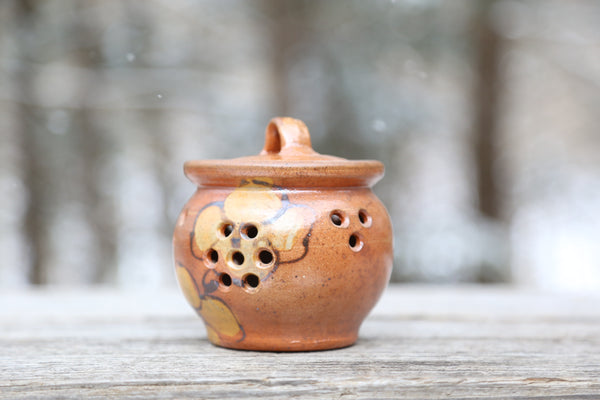 Wood fired garlic keeper no. 1 in dogwood flower glaze
