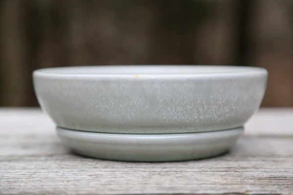 Berry bowl in frosty glaze