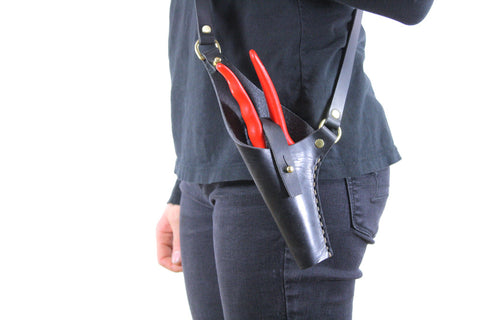 Crossbody Leather Pruner Holster in Black Steerhide