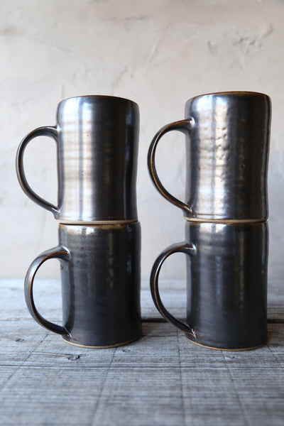 Pair of tankards in espresso