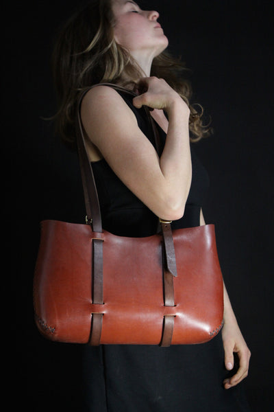 Wide Forest Tote in Cherrywood Red