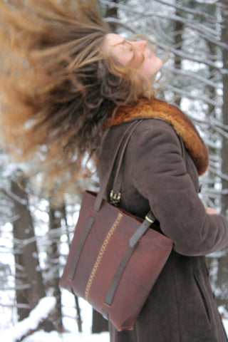 Rugged tote in cognac cordoba water buffalo