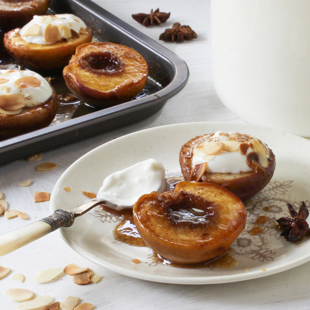 Spiced baked peaches with yogurt (GAPS & SCD)