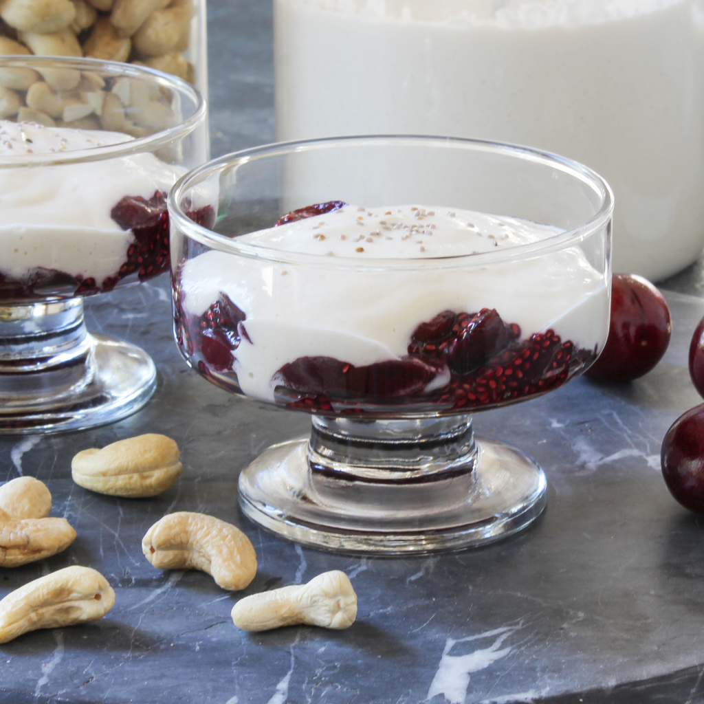 Vegan & paleo homemade cashew yogurt