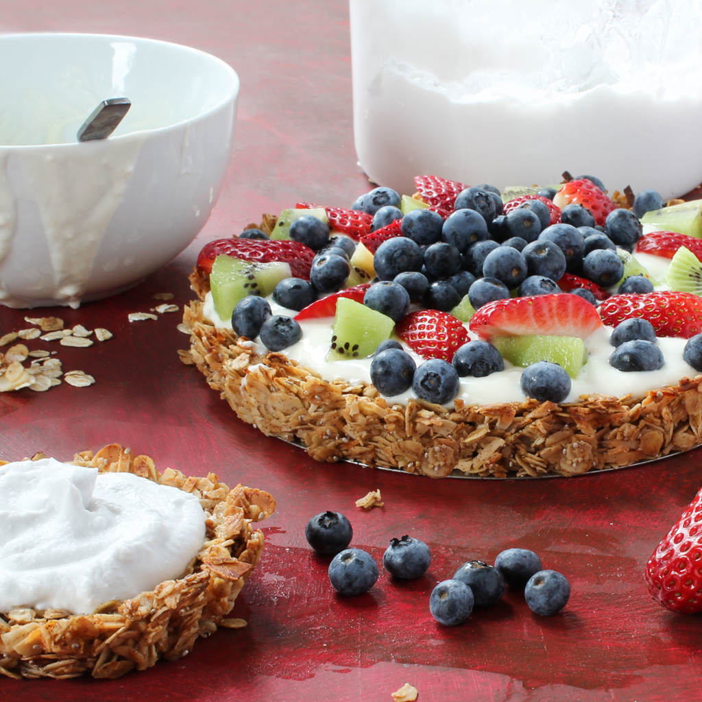 granola yogurt fruit tart steps