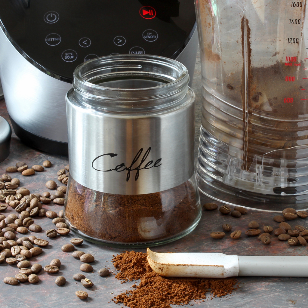 How to grind coffee in a blender