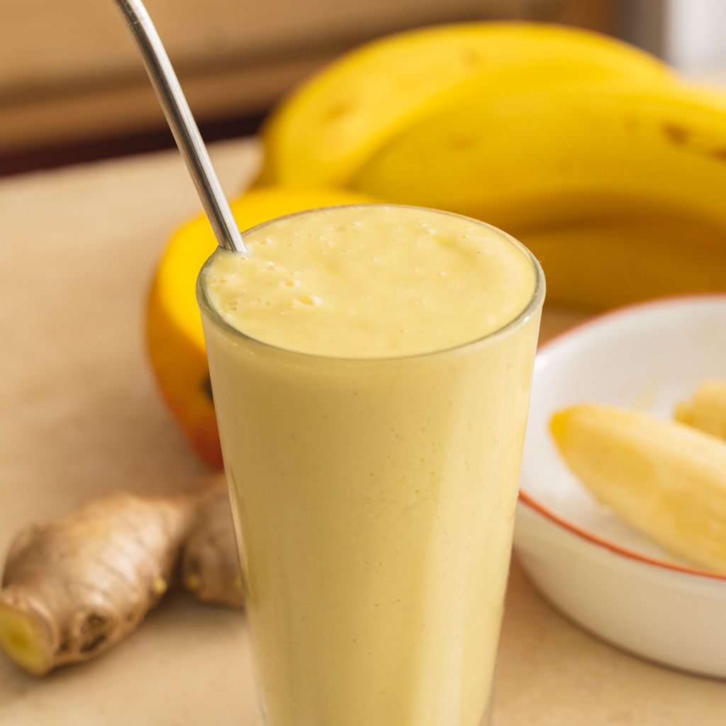 mango macadamia and ginger smoothie