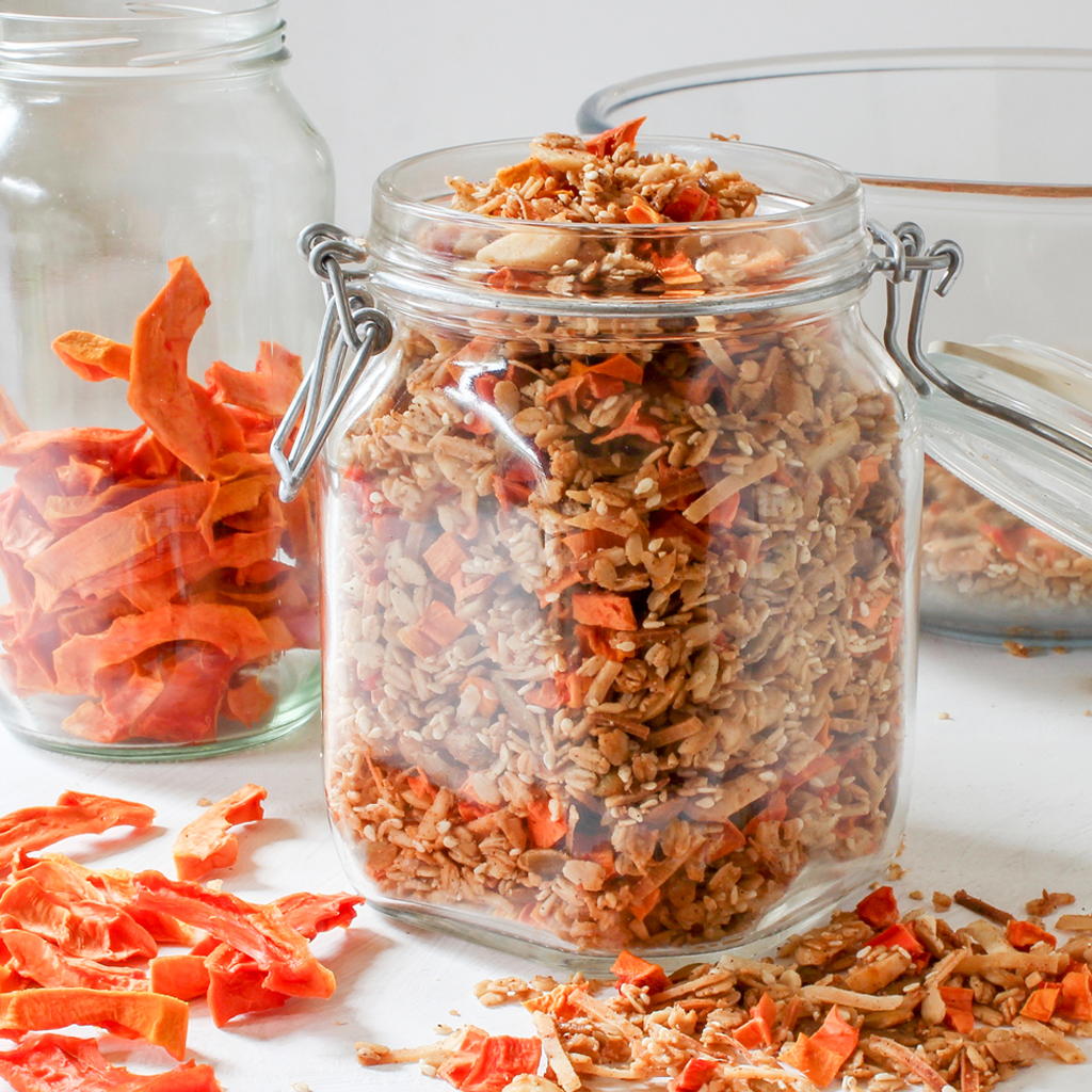 homemade papaya granola