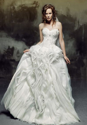 Organza wave ball gown with sweetheart neckline/Sweetheart wedding dress