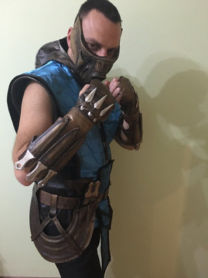 Sub Zero Cosplay props / cosplay armor Sub Zero / Sub Zero mask, belts, shinguards, wristbands, poniards and knives