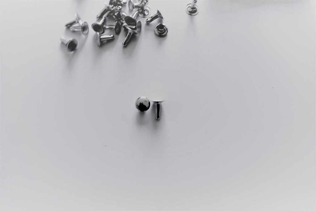 Metal Rivets / 200-pack Bright Nickel Silver Rivets/Double Cap Rivets / Rapid rivets / Hard rock costume rivets / European provider