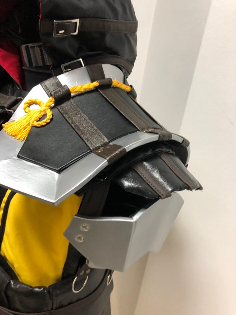 Mortal Kombat 11 tabard with shoulder armour