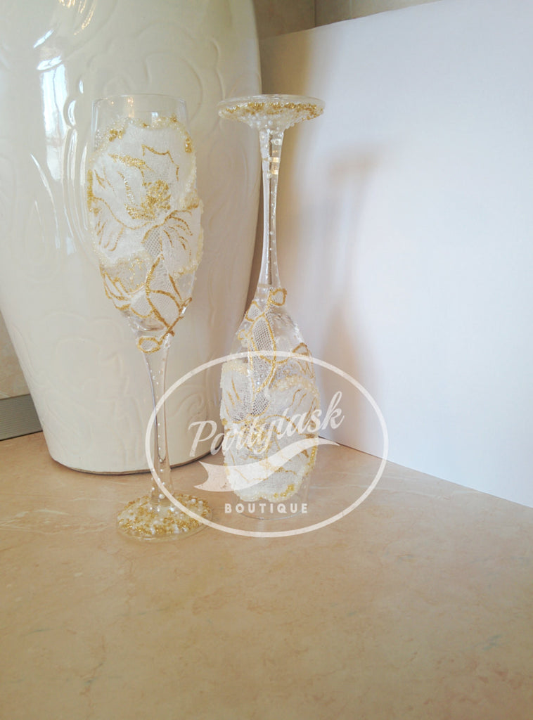 Wedding toasting glasses