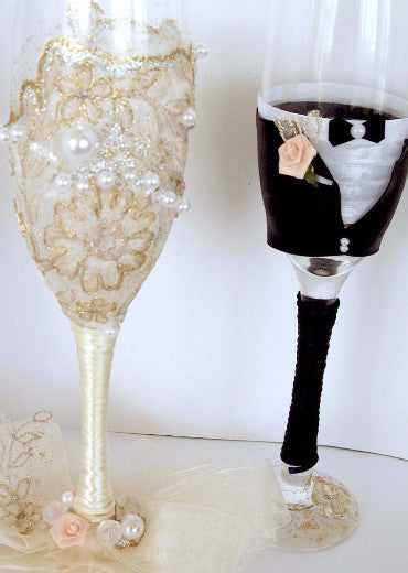 "Luxurious Champagne Glasses ""Bride and Groom"""